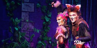 Mungojerrie and Rumpleteazer in Cats the musical